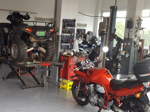 PRODEJNA A SERVIS ATV MOTO CHEB